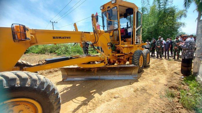 Sepanjang 1,6 Km Jalan di Cot Trieng, Lhokseumawe Dibangun,Memudahkan Petani Angkut Hasil Panen