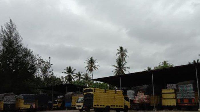 Cuaca Buruk, KMP Labuhan Haji Batal Berangkat
