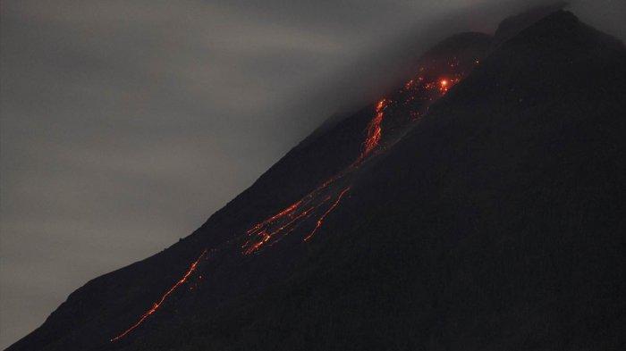 Foto Aktivitas Vulkanik