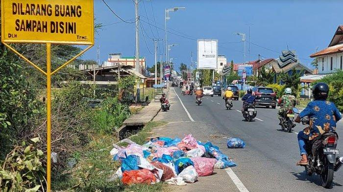 Jalan Masuk Kota Lhokseumawe Bertabur Sampah