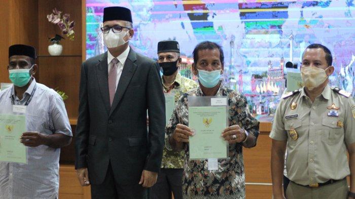 Peringati Hari Agraria dan Tata Ruang, Gubernur dan BPN Aceh Bagikan 20 Ribu Sertifikat Tanah