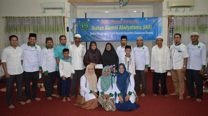 Alumni Abulyatama Buka Puasa Bersama dan Santuni Lansia di Panti Jompo - fotobukberr.jpg