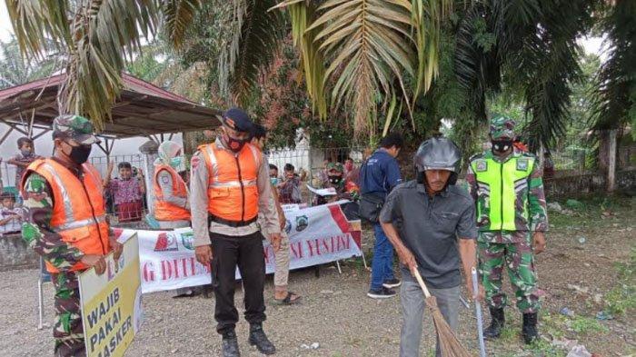 Lagi, Pelanggar tak Pakai Masker Disanksi Sapu Jalan di Nagan Raya