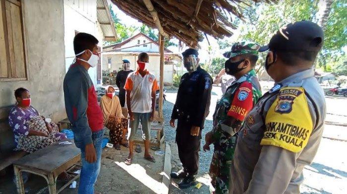 Tim Gabungan Masuk Desa Ajak Warga Pakai Masker