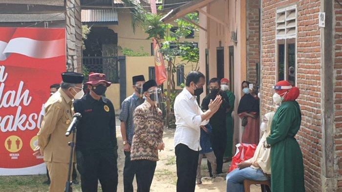 Presiden Jokowi Tiba di Aceh Besar, Saksikan Langsung Vaksin untuk 10 Keluarga