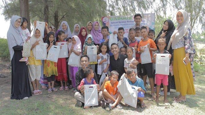 Komunitas Gabook Belajar Bersama Anak di Kembang Tanjong Pidie