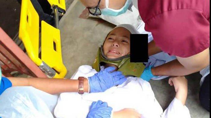 Gadis Cantik Terkapar di Halaman Sekolah Usai Dikeroyok, Sempat Tak Sadarkan Diri