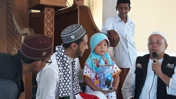 Gadis Cilik Asal Lamno Aceh Jaya Sumbangkan Tabungan Hajinya untuk Rakyat Palestina