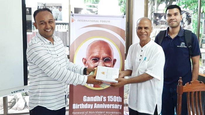 Pesan Aktivis Perdamaian untuk Aceh pada Konferensi Gandhi's 150 Birthday Anniversary di Thailand