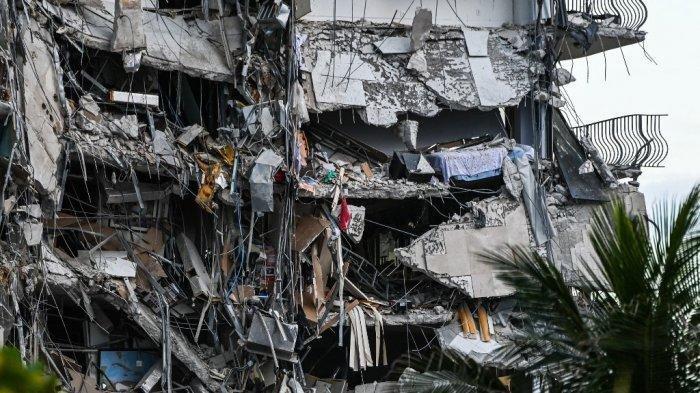 Gedung 12 Lantai di Miami Runtuh, Saksi Sebut Mendengar Suara Seperti Guntur Sebelum Roboh