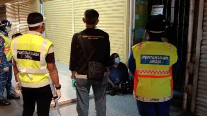 Melansir dari Harian Metro, Senin (25/1/2021) seorang tunawisma (gelandangan) mencoba melarikan diri.