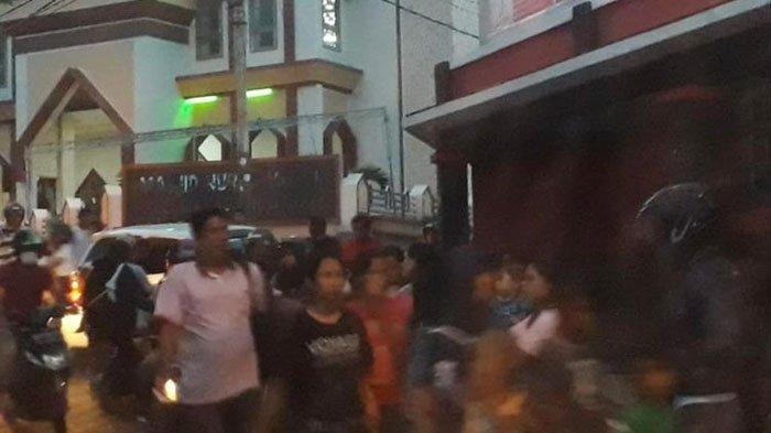 Gempa 7,2 Maluku Utara - Warga Labuha Lari Menyelamatkan Diri, Mengungsi dan belum Berani Pulang