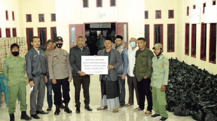 Bank Aceh Syariah Takengon Salur Bantuan untuk Ratusan Korban Angin Kencang