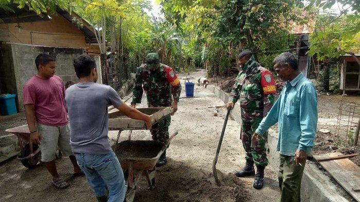 Koramil Simpang Tiga Aceh Besar Gotong Royong Bersama Masyarakat Desa Lambunot