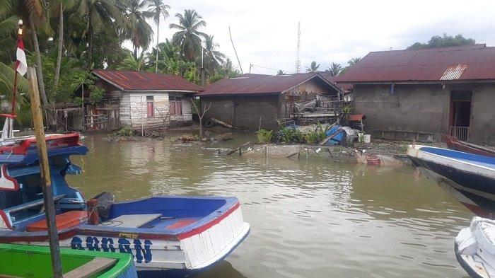 Warga Gampong Pasar Lama Harapkan Pembangunan Tanggul di Muara Sungai