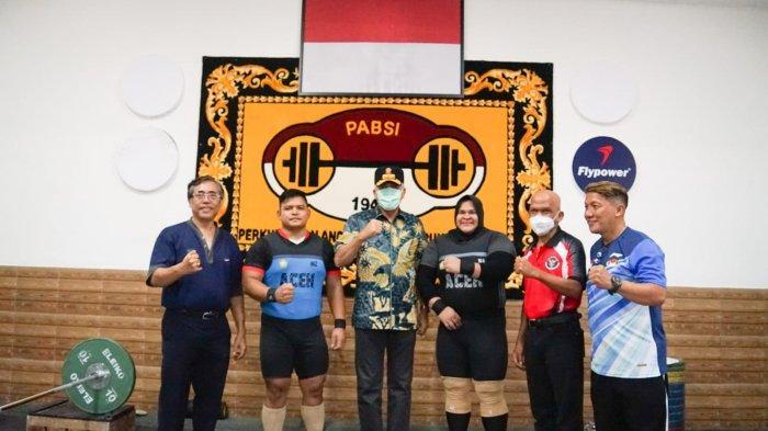 Jumpai Dua Lifter Aceh di Pelatnas, Gubernur Nova: Insya Allah, Saya ke Papua untuk Semangati Atlet