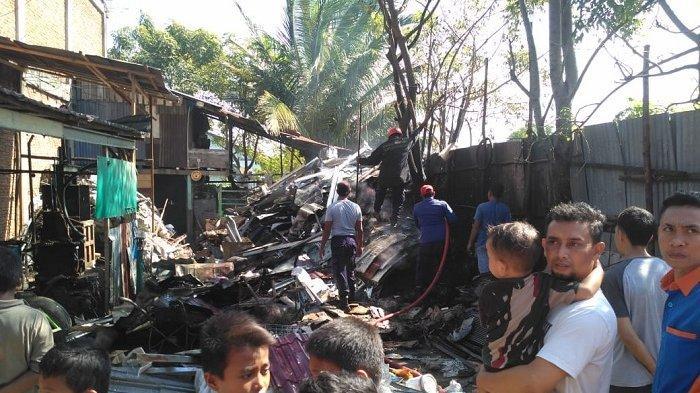 Gudang Bekas di Gampong Kajhu Aceh Besar Terbakar, Sumber Api Diduga dari Sini