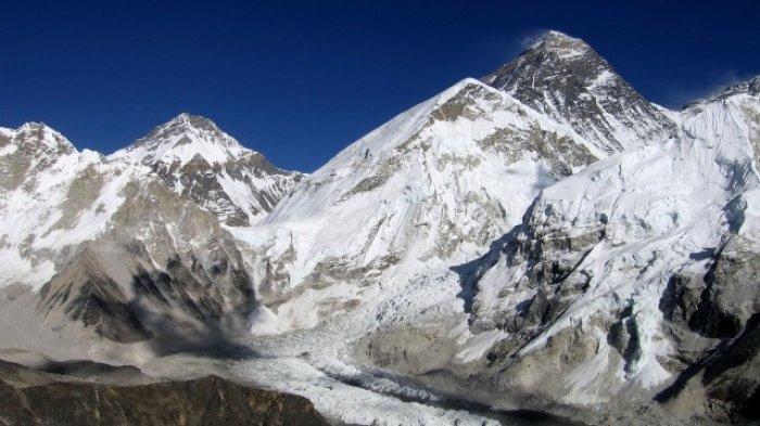 gunung-everest-banyak-jadi-favorit-pendaki.jpg