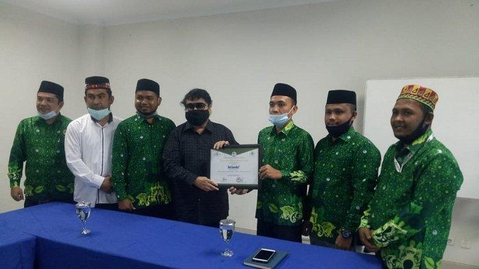 PC Pergunu Beri Penghargaan Kepada Harian Serambi