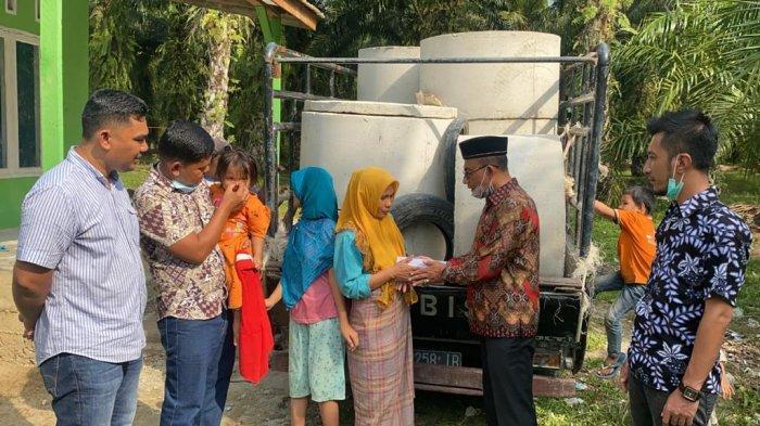 Berada di Subussalam, Haji Uma Kunjungi Keluarga Miskin Mualaf asal Nias