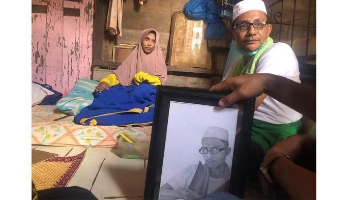 Pelukis Disabilitas di Aceh Utara Terharu, Tiba-tiba Haji Uma Berkunjung ke Rumahnya