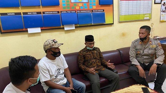 Haji Uma Jenguk Lima Anak yang Disekap dalam Mobil oleh Penipu di Aceh Utara