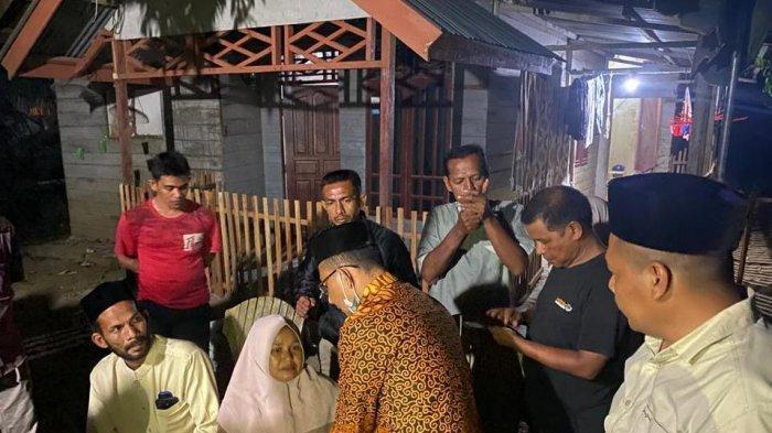 Hadiri Undangan dan Dapat Informasi Rumah Terbakar di Aceh Utara, Haji Uma Langsung Turun ke Lokasi