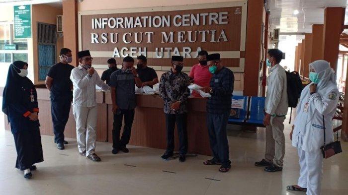 Haji Uma Serahkan APD & Masker untuk RSUD Cut Meutia Aceh Utara, Juga Berkunjung ke Ruang Isolasi