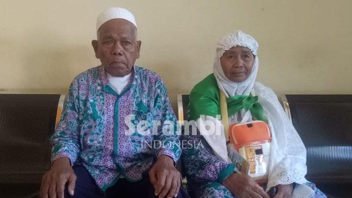 KISAH NYATA 30 Tahun Hanafiah Simpan Duit Jual Sayur di Bawah Kasur, Istrinya Kaget Diajak Naik Haji