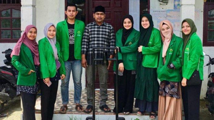 Mahasiswa Unimal yang KKN di Matang Kruet Aceh Timur Ciptakan Tempat Hand Sanitizer Sistem Injak