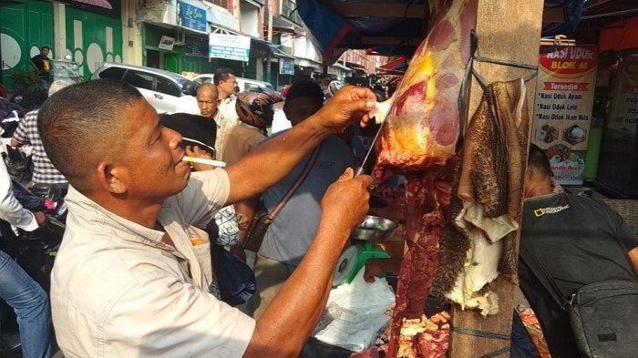 Hari Pertama Meugang, Harga Daging di Bireuen Capai Rp 170 Ribu/Kg, Pembeli Tetap Padati Lapak