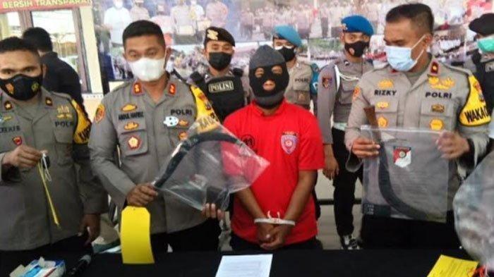 Kronologi Tokoh Masyarakat di Sampang Tewas Dikeroyok, Ditabrak dan DibacokGara-gara Klakson