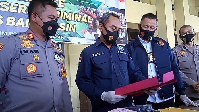 Baku Tembak Pengeroyok Wartawan dan Polres Banyuasin, Pelaku Tewas, Dua Warga Kena Peluru Nyasar