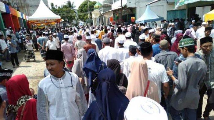 Ribuan Santri dan Undangan Padati Dayah Mudi Samalanga, Hadiri HAUL Abon Aziz Ke 30