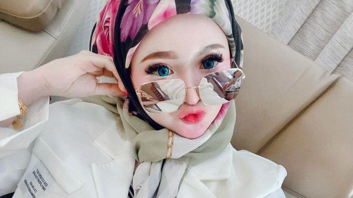 Sosok Herlin Kenza, Selebgram Aceh Dijuluki Barbie Hijab, Punya Satu Anak, Pernah Dikawal 9 Ajudan