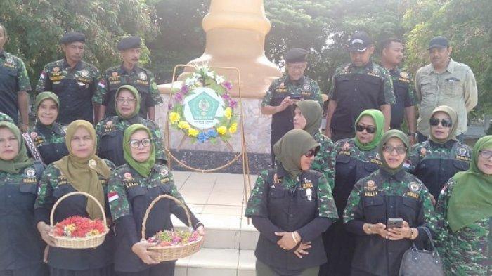 Putra Putri Angkatan Darat Aceh Ziarahi dan Tabur Bunga di Taman Makam Pahlawan Banda Aceh