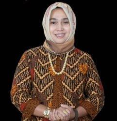 Semangati Tim Sepak Bola Aceh di PON XX Papua, Hj Rizayati Janjikan Bonus Rp 1 Miliar Jika Raih Emas