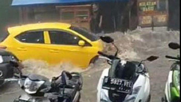 Banjir di Bandung: Diguyur Hujan Deras, Jalan Berubah Jadi Sungai, Kendaraan Hanyut