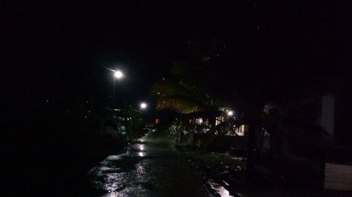 Malam Ini Hujan Angin Disusul Gelegar Petir Landa Aceh Singkil