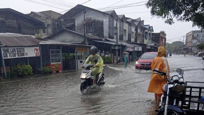 Bacaan Doa Ketika Hujan Lebat, Angin Kencang dan Petir yang Menggelegar, Lengkap Bersama Artinya