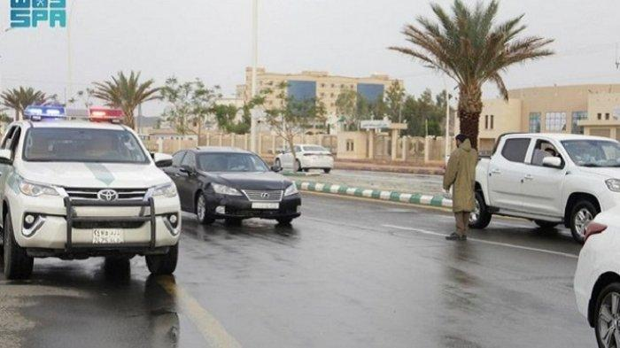 Arab Saudi Peringatkan Cuaca Buruk Selama Sepekan ke Depan, Hujan, Angin Kencang Sampai Petir