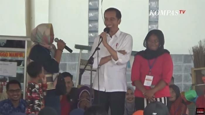Terkejut Dengar Pengakuan Ibu-ibu di Subang Benci Prabowo, Jokowi Spontan Lakukan Ini