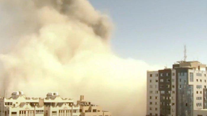 Israel Beri Satu Jam untuk Jurnalis Berbagai Media Selamatkan Diri sebelum Kantornya Dibom di Gaza