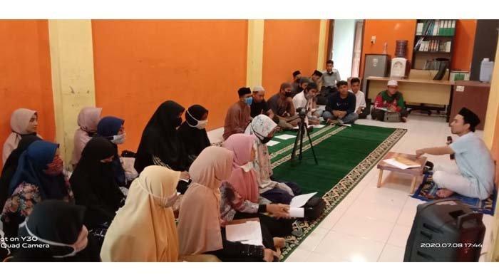 IKAT Adakan Pengajian Tauhid, Untuk Bentengi Aqidah Masyarakat Aceh Sesuai Dengan Aswaja