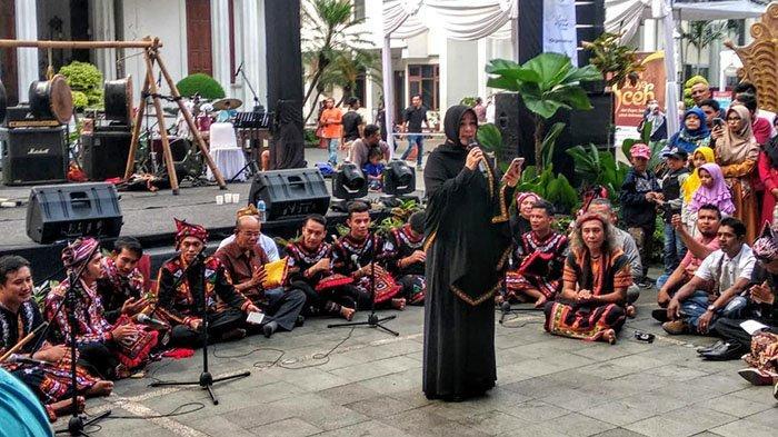 Ikut Meriahkan Festival Budaya Aceh di Bogor, Illiza Sa'aduddin Djamal Baca Puisi