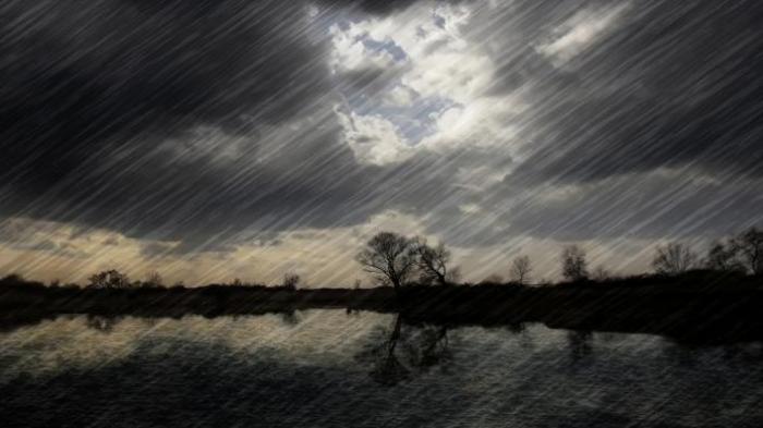 Dilanda Angin Kencang Disertai Hujan Lebat, Listrik di Sejumlah Gampong Padam Beberapa Jam