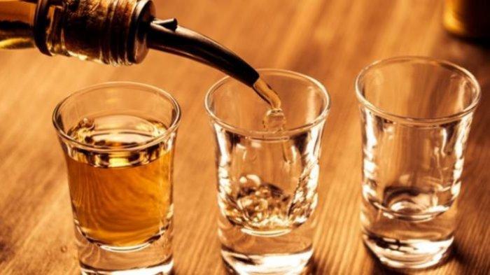 Jaga Kesehatan Liver, Hindari 5 Kebiasaan Minum Ini