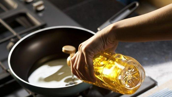 Cara Mudah Membuat Minyak Goreng Bekas Jadi Jernih Lagi