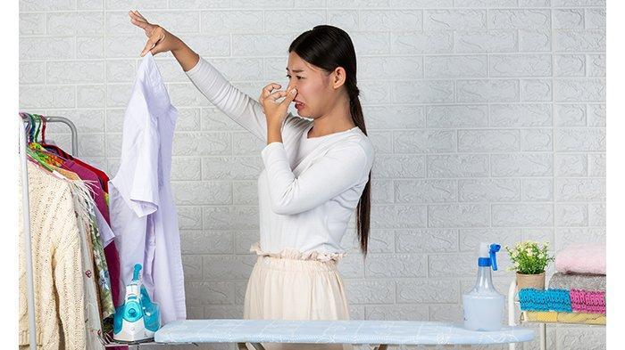 Cara Mudah Hilangkan Bau Rokok yang Menempel di Pakaian dan Karpet