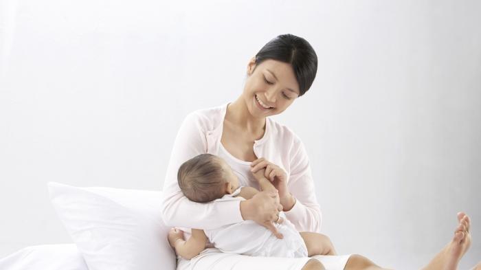 Moms, Ikuti 8 Tips Ini agar Pasokan ASI Melimpah Secara Alami